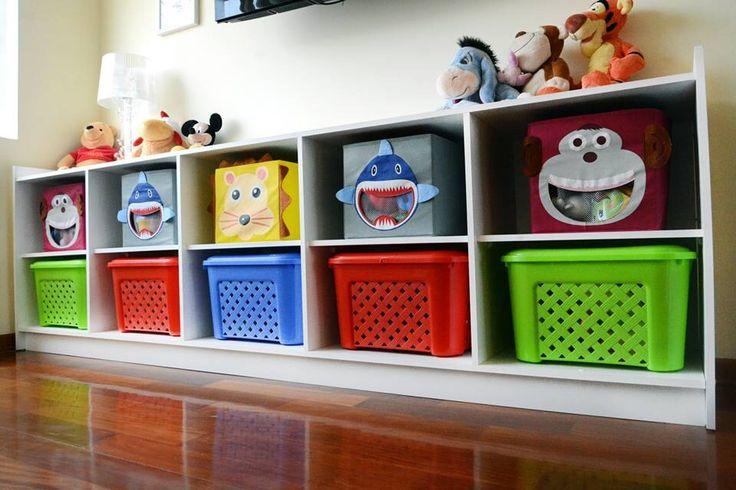 Los estantes abiertos son seguros y a la altura de los - Estanterias guardar juguetes ...