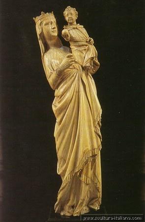 Giovanni Pisano - Madonna col Bambino (in avorio, Pisa, Museo dell'Opera del Duomo, 1298-1299)
