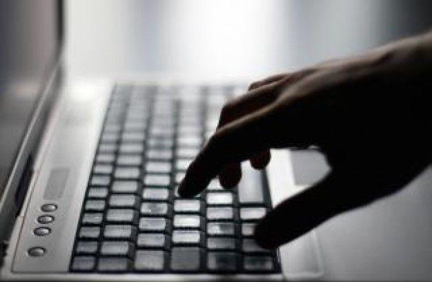 Ter beschikking stellen algemene voorwaarden bij online verkopen, hoe moet dat?