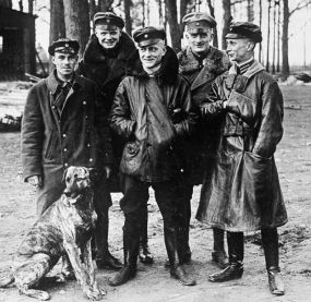 German ace Manfred Von Richthofen surrounded by his fellow pilots, at Roucourt, France. Q 42284