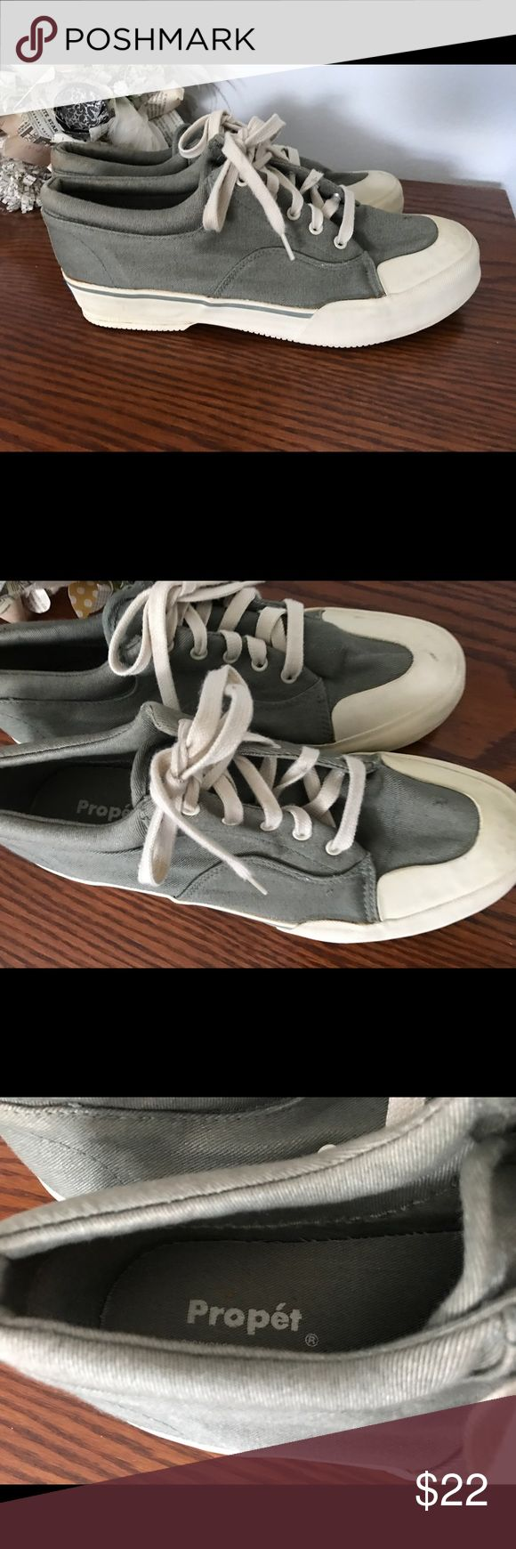 Propet shoes men's 10 GUC. Smoke and pet free home. Bundle discount 20% Propet Shoes