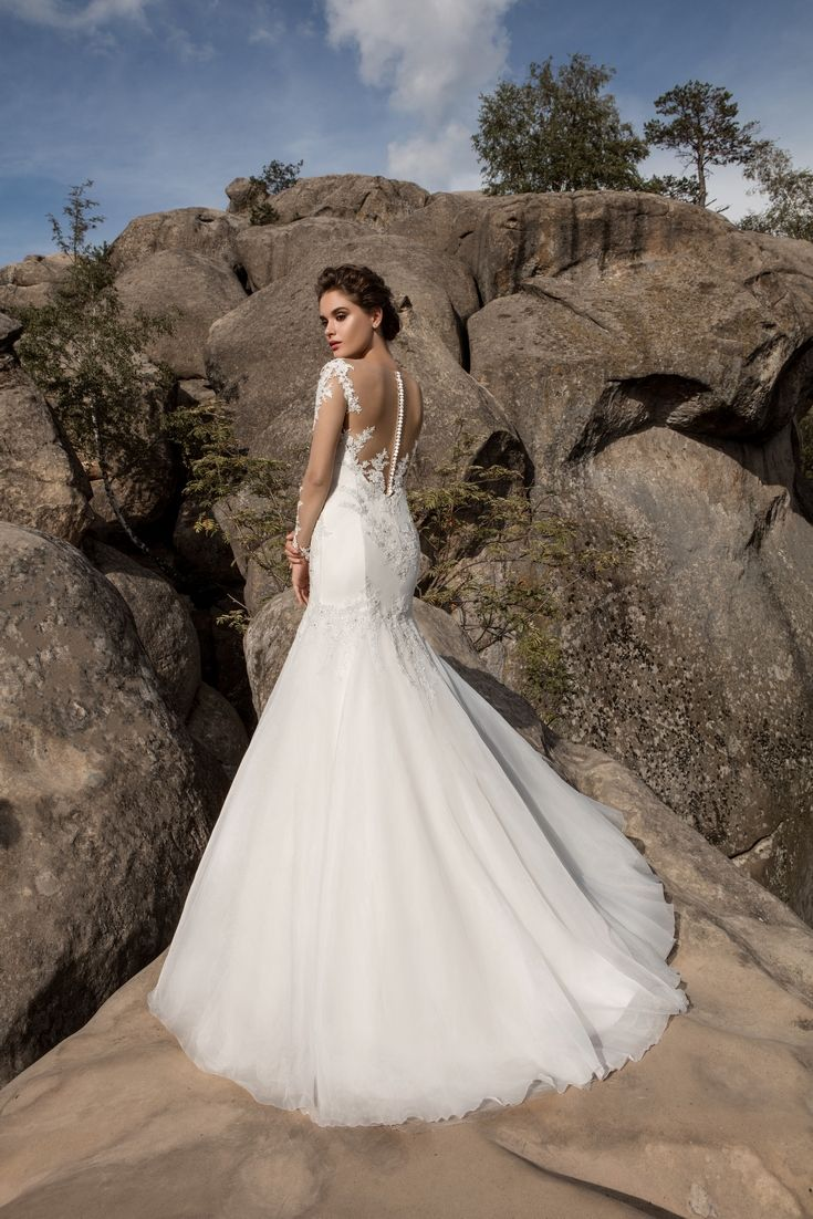 Legendary Wedding Boutique: Enchanted Collection 2017 005b