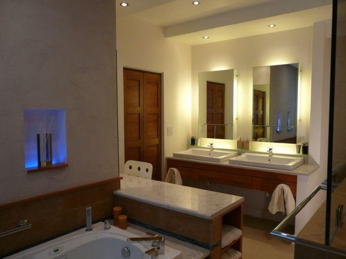 die besten 25 badezimmerspiegel ideen auf pinterest diy badezimmerspiegel vertikale. Black Bedroom Furniture Sets. Home Design Ideas