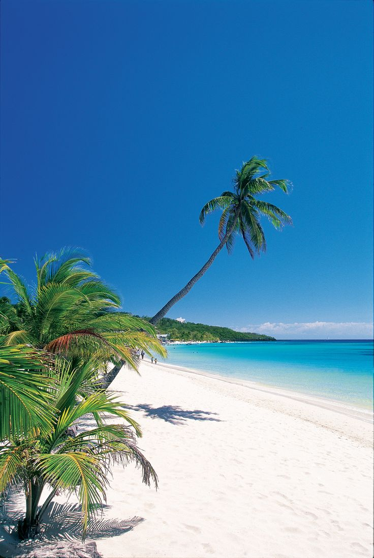 Roatán  é uma ilha na costa de Honduras.