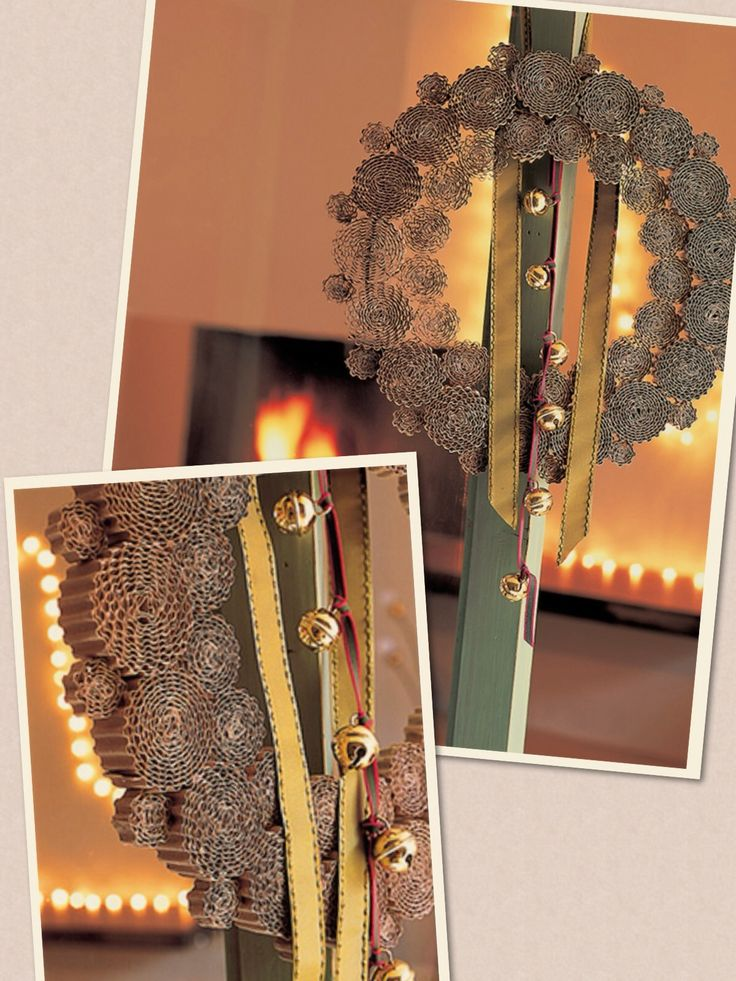 Couronne de Noël avec du carton ondulé enroulé