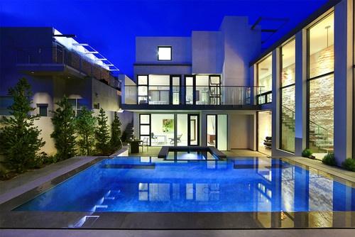 992 oceanfront laguna beach ca by abodwell interior design beautiful exterior and pool for Laguna beach interior designers