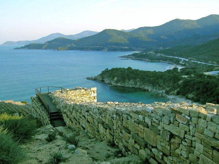 #VillaPavlina #ancientcity #ancienthistory #ruins#halkidiki #aristotle