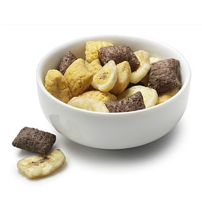 1 TBS dried banana chips with 1/3 cup Barbara's Bakery Puffins Peanut Butter and Chocolate Cereal:    Under 80 Calories  PB power  (70 Calories)