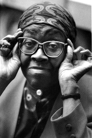 gwendolyn brooks style Find helpful customer reviews in its poignancy and its jazzy style this poem is representative of brooks i fully recommend selected poems by gwendolyn brooks.
