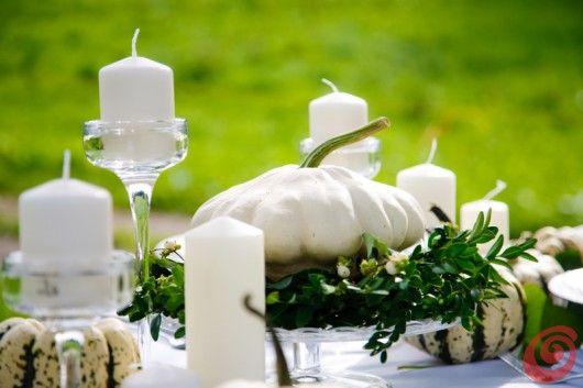 Decorare e apparecchiare la tavola autunnale con le zucche bianche white pumpkin table decoration autumn wedding