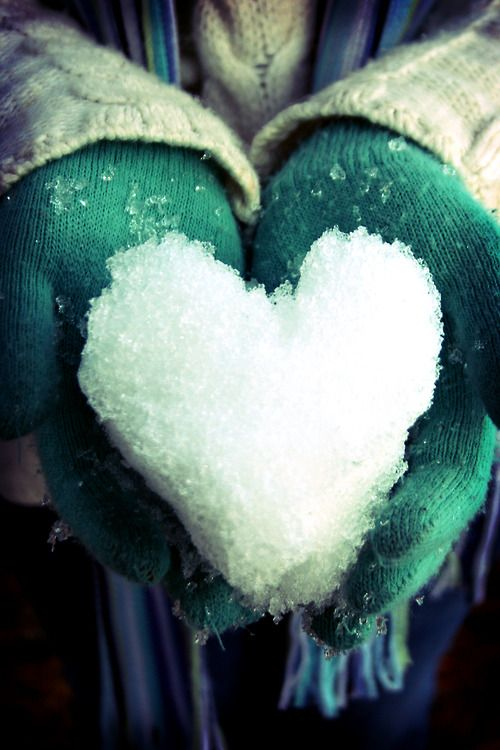 Snow heart - melting... there is something so apt about that phase 'my heart melts' #seasonoflove  #tataharper