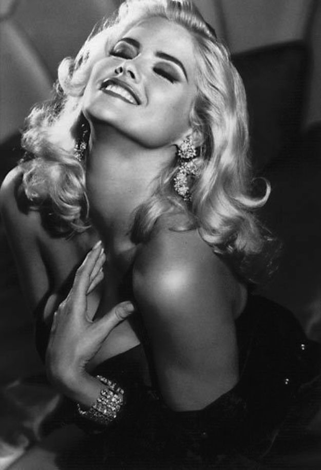 20 Gorgeous Photos From Anna Nicole Smith's Guess Campaign.. Loved Anna Nicole