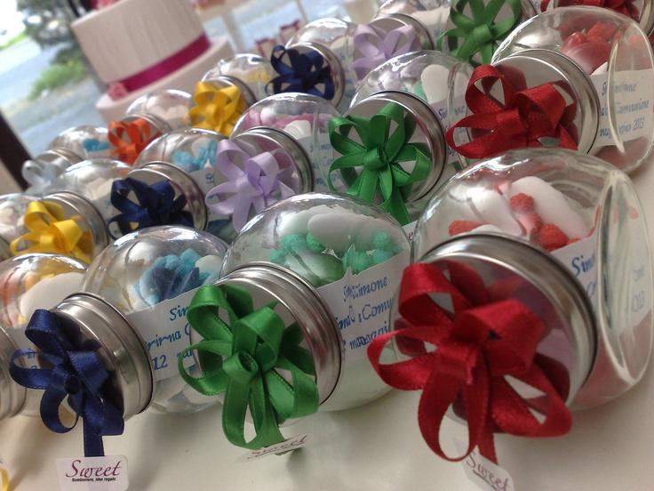 mini biscottiere con fiocchi cuciti a mano e confetti colorati!! by www.sweetcreazioni.blogspot.com