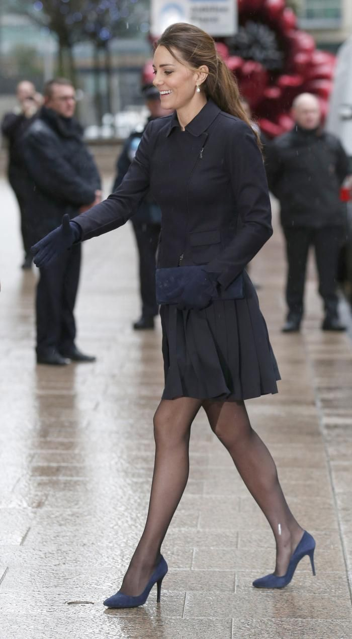 Kate Middleton Legs Open | Kate Middleton's Skirt Goes Flying at Charity Appearance in London