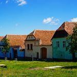 Discover the beauty of #Transylvania in my new blog post, link in bio. #traditional #colorful #houses #nature #bluesky #ig_europe #ig_romania #backpackglobetrotter