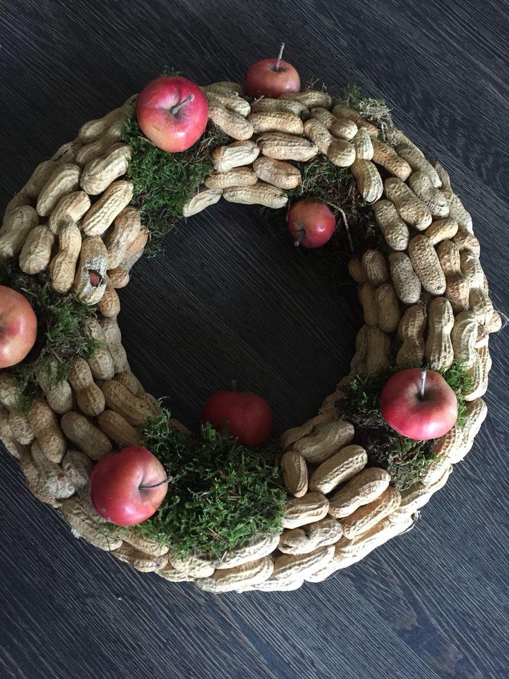 Pinda appel krans voor de vogeltjes