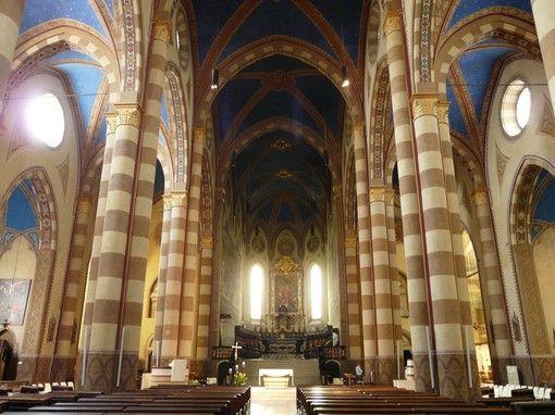 La navata maggiore del Duomo di Alba