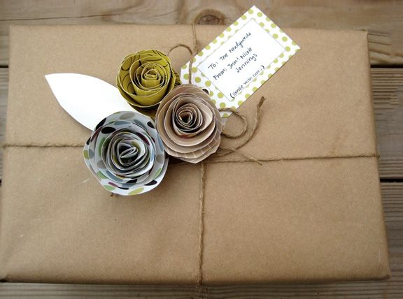 : Paper Rose, Kraft Paper, Giftwrap, Paper Flowers, Gifts Wraps, Wrapping Ideas, Wraps Gifts, Crafty Ideas, Wraps Ideas
