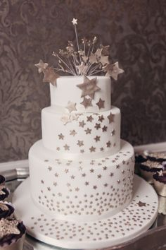Stars And Moon Wedding Cake cakepins.com