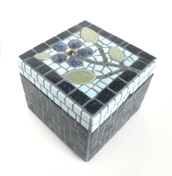Mosaic Keepsake Box: Blue Flower Mosaic Box