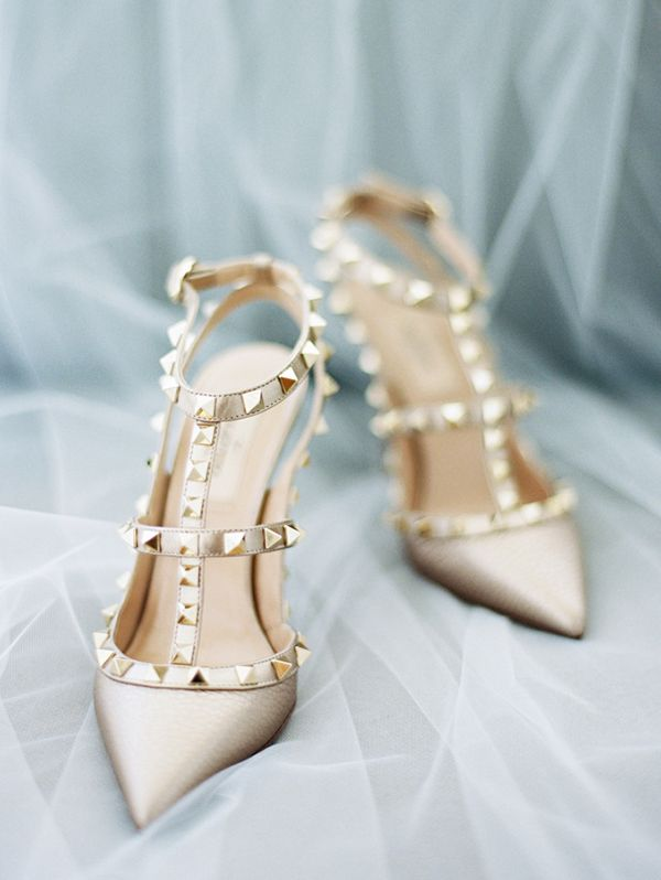 Nude and Gold Valentino Wedding Shoes | Ryan Ray Photography | http://heyweddinglady.com/spring-watercolor-wedding-inspiration-lavender-sage-green/