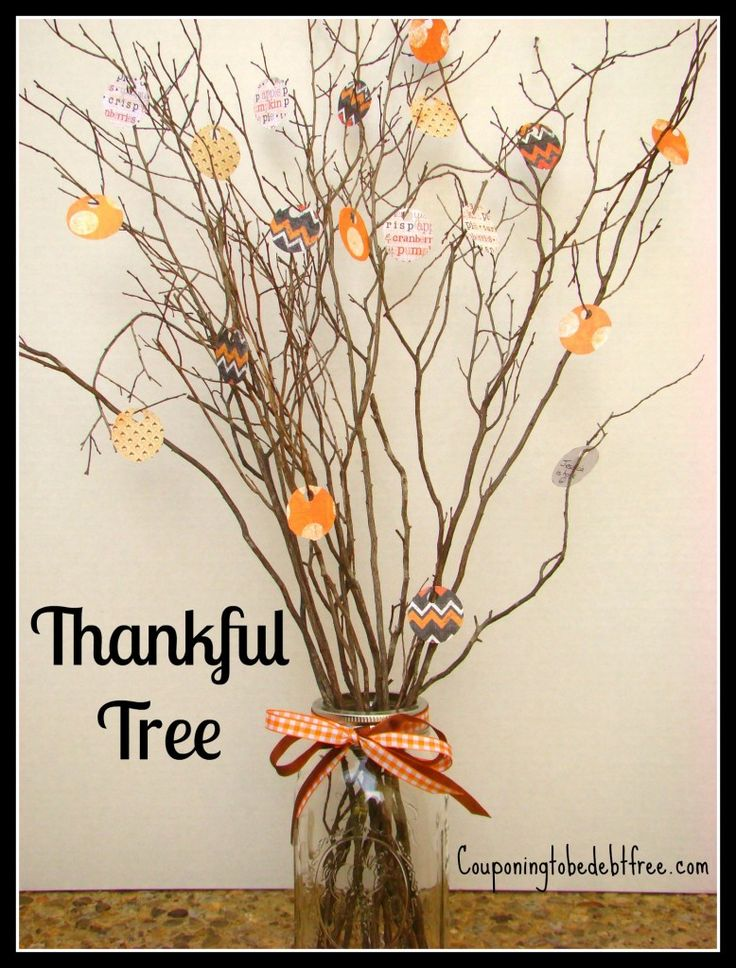 Create your own #Thankful tree and make it one of your key decorations for this #Thanksgiving - very simple and elegant!