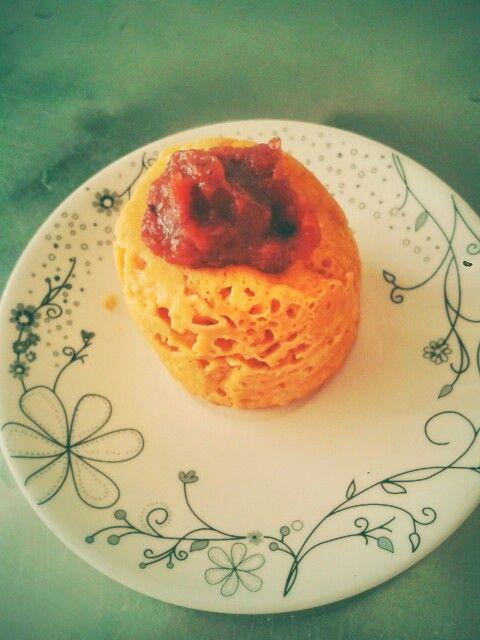 Peanut butter mug cake.  Tortica de mantequilla de maní en el micro... En un recipiente para el micro se mezclan; 1 huevo, 1/3 taza de avena, 1 cda de mantequilla de maní natural (Sin preservativos, sin sal/aceite/azúcar), 2 cdas de leche vegetal, 1 pizca de polvo para hornear.  Se lleva al micro por 1.30 min... y listo! #MugCake #avena #Mantequillademani #lechedealmendras