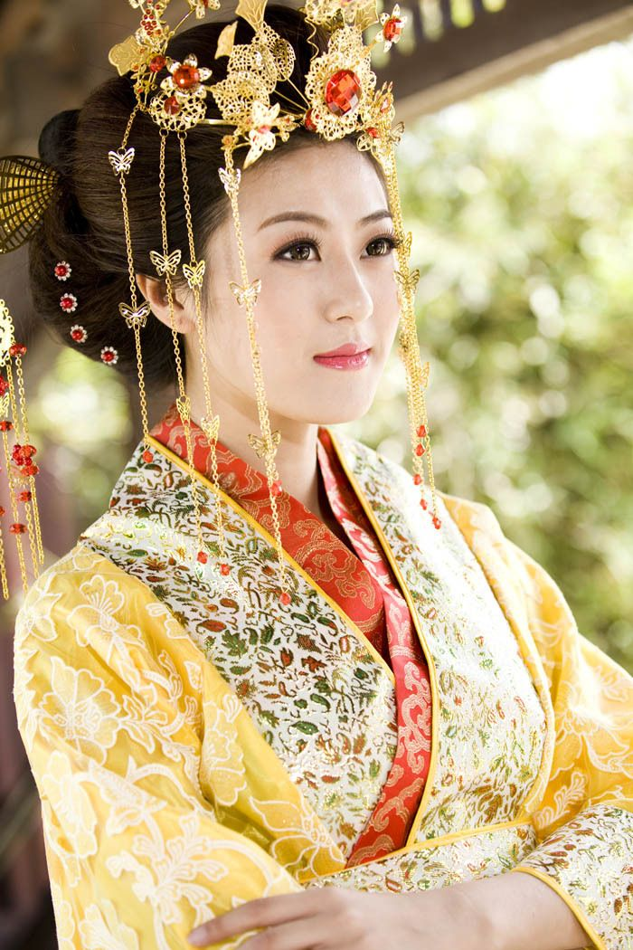 "Japanese kimono was inspired by ""Hanfu"" - traditional Han Chinese clothing(first recorded ""Hanfu"" were somewhere around the Liao Dynasty and earlier)."