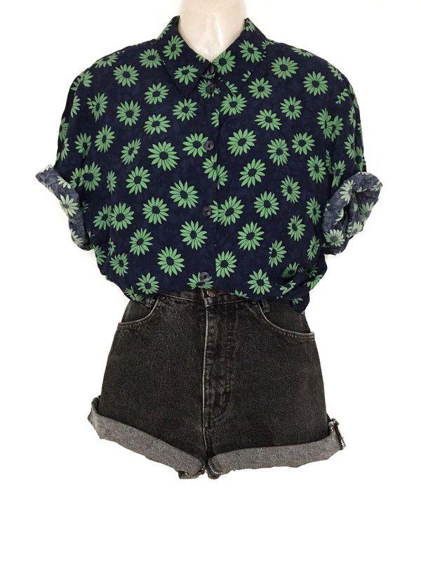 Mein True Vintage Floral Bluse Hemd 80er Jahre Grün Blau Blumenmuster Color Blocking von true vintage. Größe Einheitsgröße für 25,00 €. Schau …