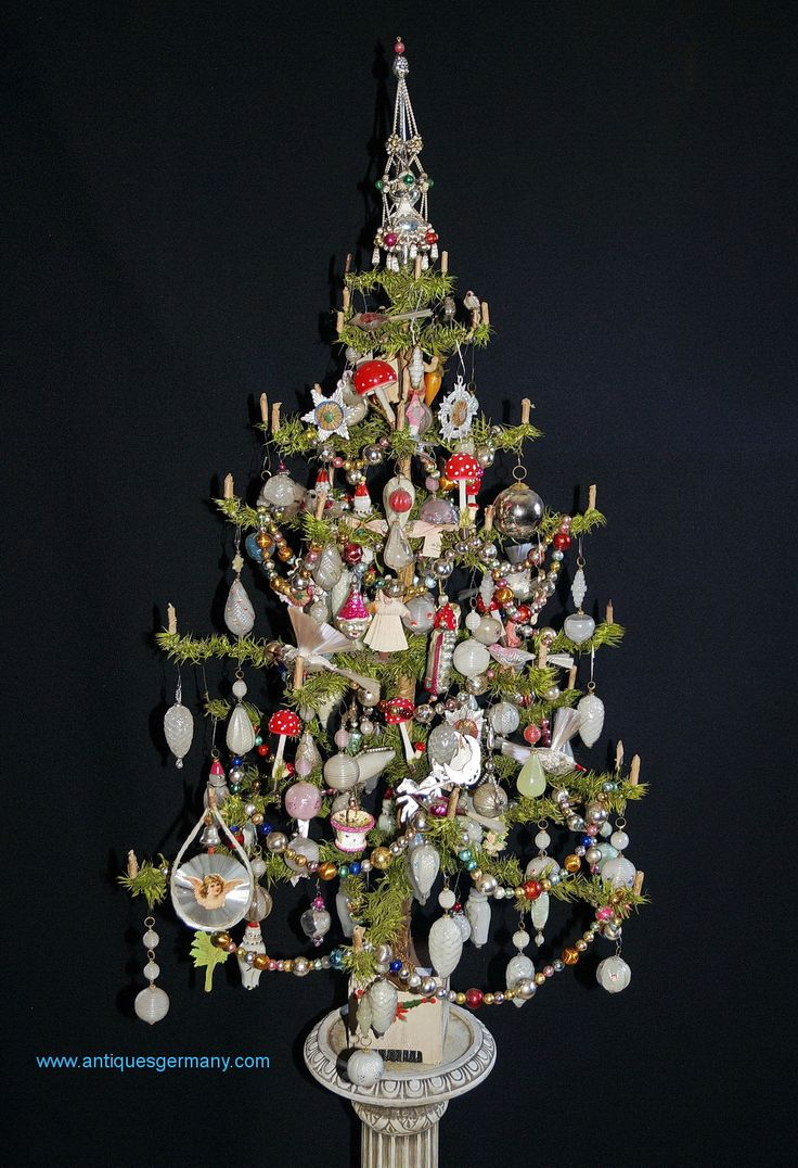 Antique German Goose Feather Tree, ca. 1900/1910,decorated with great old ornaments.