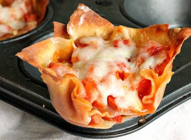 En entrée, comme gâterie ou bien tout simplement comme repas, les petits cupcakes de pizza sont très certainement savoureux et rapide à préparer!