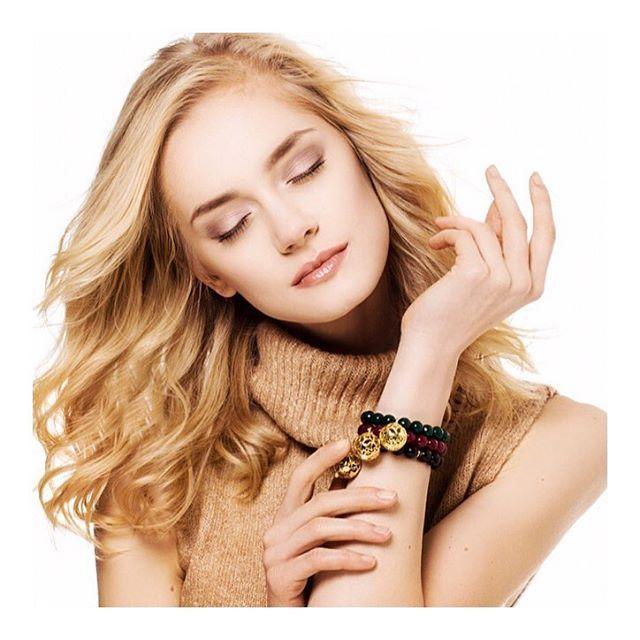 Zapach w naszej pachnącej biżuterii utrzymuje się tak długo, gdyż perfumowane kuleczki produkujemy z intensywnie aromatycznych olejków, które przyjeżdzają do nas z USA #messhjewelry #fragrancejewelry #jewelry #perfume #scent #essentialoils #jewellery #bizu #luxury #bracelet #gems #silver #gold #pendant #polishbrand #polishmodel #polishgirl #topmodel #beautiful #blonde #glam #love #wintercampaign #fashion #ootd #instadaily #photooftheday #follow
