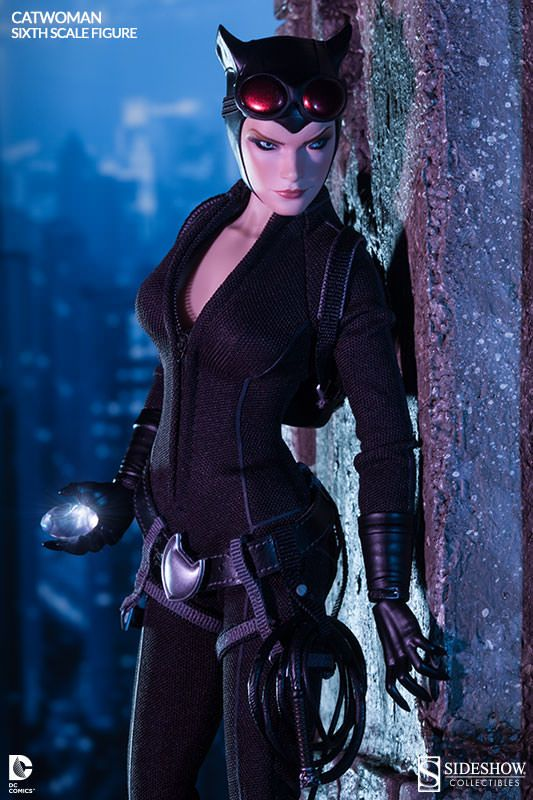 http://news.toyark.com/wp-content/uploads/sites/4/2014/03/Sideshow-Sixth-Scale-Catwoman-002.jpg