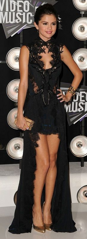 Selena Gomez at the MTV Video Music Awards 2011