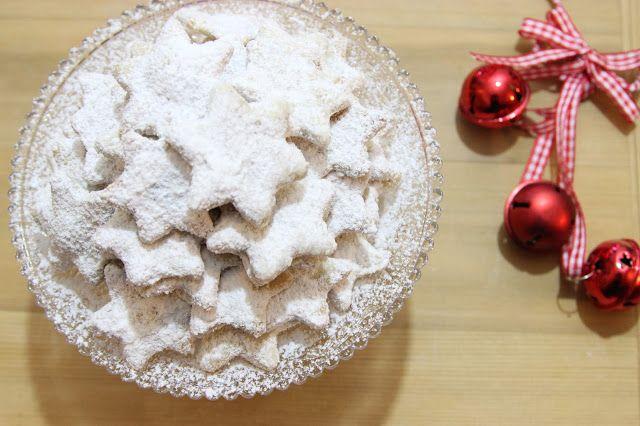 Vanilla crescents - traditional Czech christmas cookie  Vanilkové rohlíčky