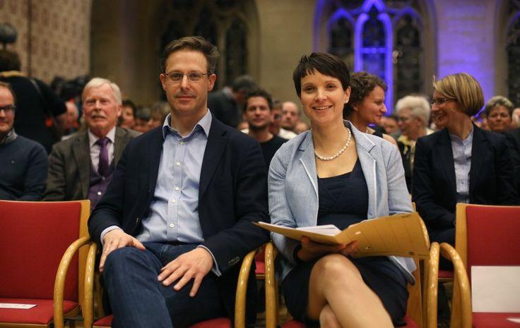 Die Noch-AfD-Vorsitzende Frauke Petry will ihre Sitze im sächsischen Landtag und im Bundestag behalten. Ihr Ehemann Marcus Pretzell hält bereits ein Doppelmandat. Dürfen sie das?