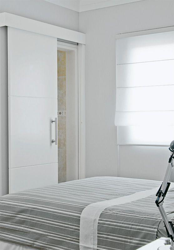 Porta e janela - quarto