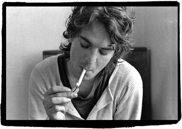 Your Favorite Band: Alex Chilton and Ray Davies - Alex Chilton and Ray Davies smoke cigs in the friscalating dusk light.  #music #AlexChilton #RayDavies