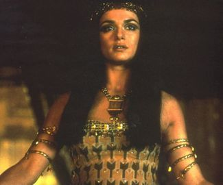 the mummy returns version of nefertiti