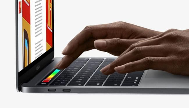 Apple Has a Black Friday Sale on MacBook Pro USB-C Adapters and Monitors
