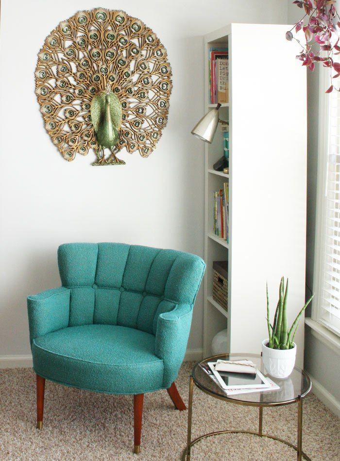 Бирюзовые акценты добавляют что-то летнее в любой интерьер! Стремление к цвету осенью вполне объяснимо.  #мебель #кресло http://mast2cust.ru