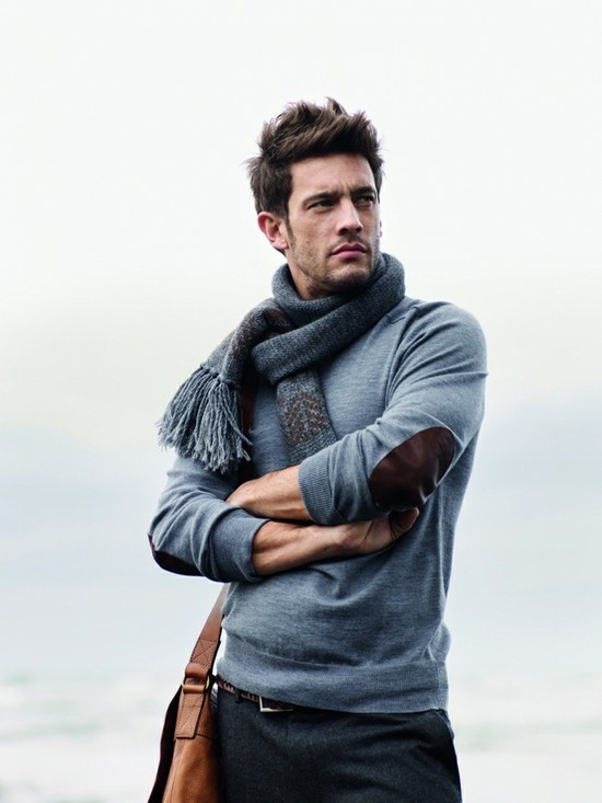 Yes to the scarf and the jumper. Good thing I know a Lebanese woman who can knit. lol