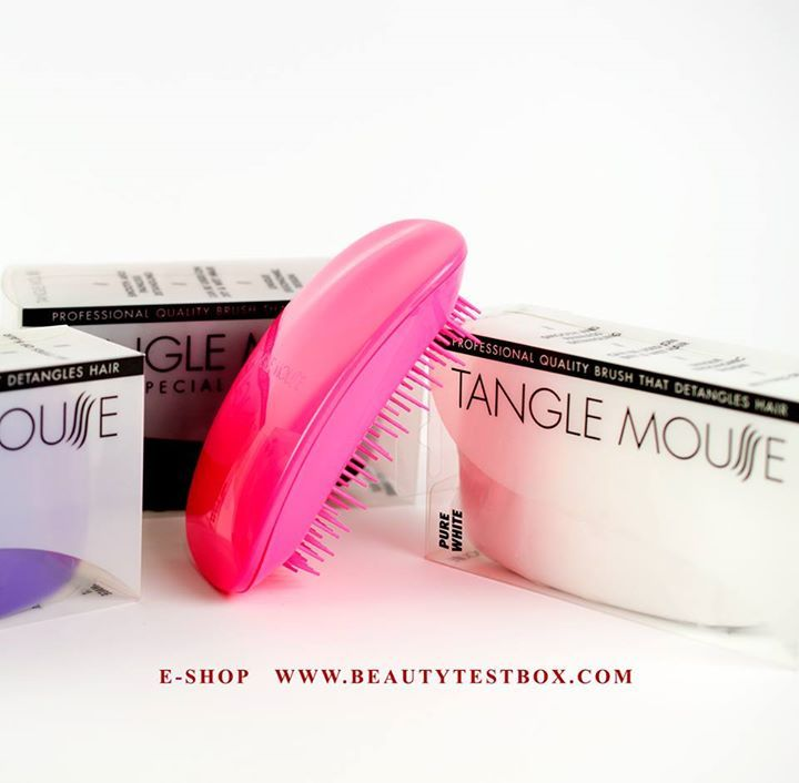 Brush your hair with a mouse! #TangleMouseBrush!    ❤  Find Here ➡ http://www.beautytestbox.com/catalogsearch/result/?q=tangle #beautytestbox #beautytestboxeshop #beautyteam #excited #beauty #GreekEshop #hair #care #brush Tangle Mouse Greece La Rou Hair Cosmetics #love #smile #blogger #musthave #beautynew #BeautyGreece #haircare #hairbrush