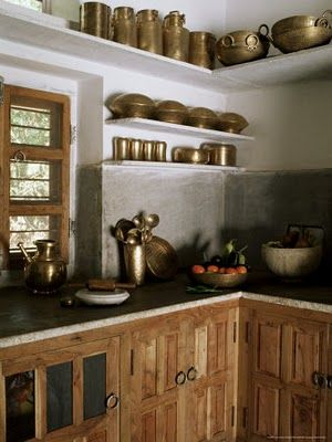 Kitchens used to be so traditional.. love all of the brass displayed in this kitchen. #indian #kitchen