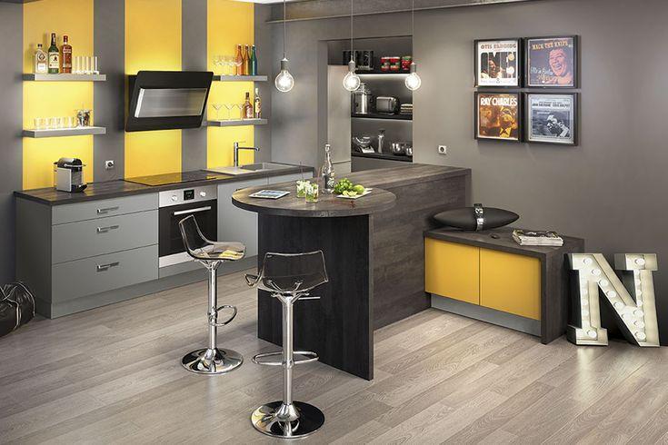 Mezzo jaune moutarde mat gris souris mat socoo 39 c id es maison pinterest cuisine et for Cuisine peinte en jaune