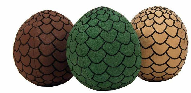 Pack 3 peluches Huevo de Dragón, 18cm. Juego de Tronos Pack 3 cojines de 18cm perteneciente a la serie de Juego de Tronos con los famosos Huevos de Dragón.