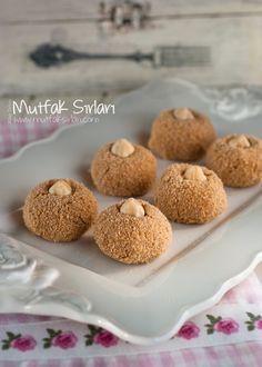 İrmik Topları (Bisküvili) Tarifi   Mutfak Sırları - Yemek Tarifleri