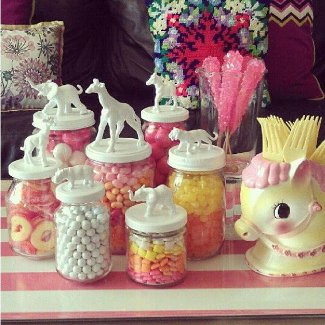 great for a baby shower... party animal theme... #party #deco #fiesta