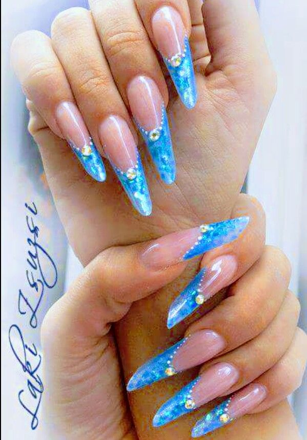 Pin By Nailea Lopez On Nagelform Gotische Russische Mandel Russian Almond Amande Russe Almond Acrylic Nails Designs Long Nails Rhinestone Nails