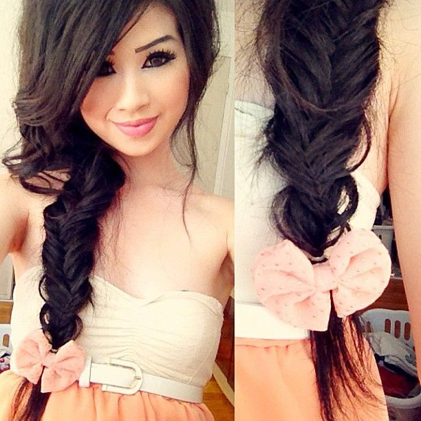 Oh my god. I love this fishtail braid! and the bow just makes it so much cuter!